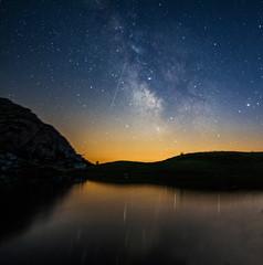 Make a wish (Robyn Hooz) Tags: travel stella montagne lago star dream via viaggio meteora milkyway riflesso laghetto shootingstar cadente lattea