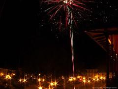 Polvora (Ivan Mauricio Agudelo Velasquez) Tags: park plaza parque light luz night fire noche fiesta balcon polvora celebracion plazt