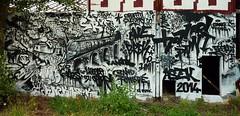 Bordeaux sous les bombes, caserne Niel (thierry llansades) Tags: street streetart wall painting french graffiti mural 33 graf bordeaux peinture urbanart painter graff aerosol garonne bombing bombe peintures graffitis fresque niel caserne graffs grafs aquitaine gironde fresques bombes frenchgraff caserneniel