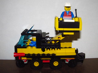 LEGO 4541 Rail and Road Service Truck 2
