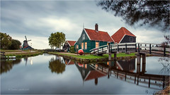 Zaanse Schans (Sandra Lippro) Tags: netherlands zaanseschans longtimeexposure dutch openairmuseum earlymorning sightseeing tourism iconicimage reflection mirror
