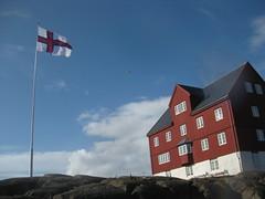 Merki (Jan Egil Kristiansen) Tags: img8499 merki tinganes flag faroeislands sooc redhouse trshavn primeministersoffice