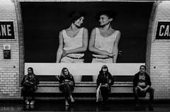 En attendant le mtro (stephane_p) Tags: pentax blackandwhite blackwhite bw monochrome mtro mtropolitain nb noirblanc noiretblanc paris street subway underground
