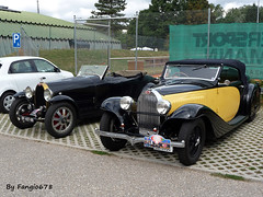Bugatti Type 43 Grand Sport 1933 et Type 57 Stelvio Cabriolet Gangloff 1934 (fangio678) Tags: festival bugatti molsheim 18 09 2016 voituresanciennes ancienne collection cars classic coche oldtimer youngtimer french francaise type 57 df407nb 43 stelvio cabriolet gangloff 1934