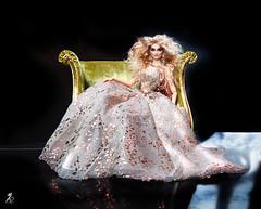 Nimue (kingdomdoll) Tags: juliagart kingdomdoll kingdom doll nimue trinovantes beauty fashion resinfashiondoll bjd blond gold glamour sofa
