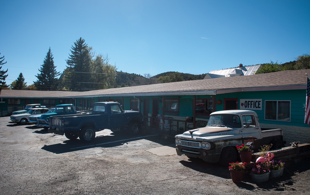 The world 39 s best photos of 60 and motor flickr hive mind for Raton pass motor inn