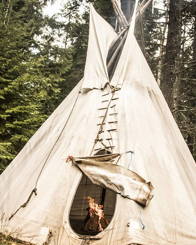I love to see the teepee put up each spring here at the ranch. This teepee has a long history here. I love to see the children who visit the ranch full of imagination with this teepee as the center of their grand game. Yesterday we dried out the canvas wi