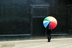 Rainbow (Lidia Martn) Tags: paraguas arcoiris rainbow colours colores black