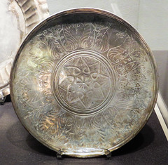 IMG_6309 (jaglazier) Tags: 2016 5thcentury6thcentury 5thcenturyad6thcenturyad acanthus cologne copyright2016jamesaglazier frankish germany koln kln museums romangermanicmuseum rosettes round rmischgermanischesmuseum september silver tableware archaeology art crafts engraved floral germanic incised metalworking scrolls silversmiths trays