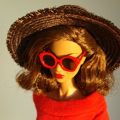Red sunglasses (Deejay Bafaroy) Tags: fashion royalty fr integrity toys doll puppe barbie kyori sato bueno sera portrait porträt hat hut sunglasses sonnenbrille red rot brown braun