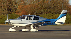 Cirrus SR22T N53LG (BIKEPILOT) Tags: blackbushe eglk airport airfield aerodrome aircraft aeroplane aviation flying hampshire uk greatbritain cirrus sr22t n53lg grey blue white