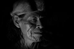 Guarani (guiraud_serge) Tags: brazil portrait brasil amazon tribes indians tribe indios ethnic rituel plumes brsil tribu amazonie indiens matis tissage tribus ethnie yawalapiti guiraud karaja minoritsethniques sergeguiraud peinturescorporelles kayapokaiapoguarani plumaserie ornementscorporels