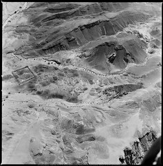 Kh. Nahas (APAAME) Tags: blackandwhite archaeology ancienthistory middleeast airphoto aerialphotography scannedfromnegative nahas nuhas aerialarchaeology largeformatfilmoriginal jadis1901002 megaj8730