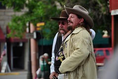 The Showman (faungg's photos) Tags: show street usa man west men us nikon candid western wyoming cody performers 18200 人物 wy 人像 街拍 美国 d90 西部 westerner 自驾游 科迪