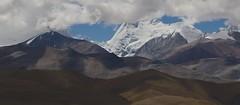 LaLung La Pass (Jos Rambaud) Tags: snow mountains clouds cloudy nieve pass tibet glacier paso nubes himalaya range glaciar himalayas cloudscape cordillera montaas lalungla lalung jugalhimal