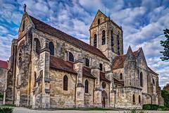 Église d'Auvers-sur-Oise. (gilles_t75) Tags: hdr nikon d5300 église auverssuroise valdoise95 iledefrance photomatix tonemapping france highdynamicrange gillest nikkor1855mmf3556 bracketing photohdr exposurefusion