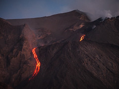 Eolie 133b - Stromboli (Valerio Lorusso) Tags: sunset island volcano lava islands tramonto smoke sicily vulcan coulee sicilia vulcano eolie stromboli aeolian fumo lavaflow isole colata colatalavica