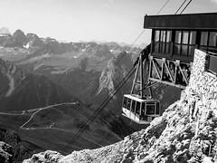 (chiara.poire) Tags: bw italy mountains italia bianconero trentino dolomites dolomiti cableway sasspordoi valdifassa montagla