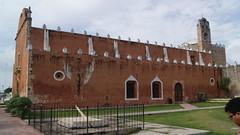 lA IGLESIA Y EL MERIDIANO 90 (dsancheze) Tags: mexico yucatan iglesias maxcanu meridiano90