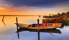 Orange Sunrise - Ria de Aveiro (paulosilva3) Tags: portugal water colors sunrise de boats big lee filters ria aveiro stopper waterscape lakescape riverscape longexpos