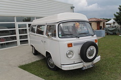 Combi Volkswagen (xwattez) Tags: auto old france car volkswagen automobile expo voiture exposition german transports van camper combi ancienne saintgaudens 2015 rtro vhicule allemande
