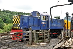 Class 14 NCB 38 at Embsay (Alun EH) Tags: railways railway railroad br britishrail britishrailways embsayboltonabbeysteamrailway ydr yorkshiredalesrailway class14 teddybear d9513 ncb38 38 ncb nationalcoalboard swindon