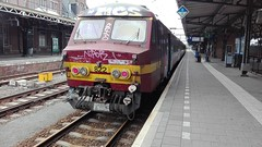 NMBS AM75 822_IMG_20160911_120938 (YouHe96) Tags: am75 ms75 varkensneus 822 ltrein stoptrein nmbs sncb trein train zug photography fotografie roosendaal