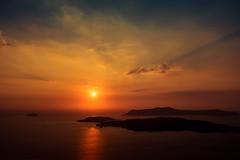 Rosso di sera... (robertofaccenda.it) Tags: beach ciclades cicladi grecia greece holydays mar mare playa praia pyrgos santorini sea spiaggia sunset tramonto vacanze vacation