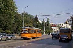 Dwag-Wagen 4234 erreicht die Haltestelle an der Metrostation 'Konstantin Velichkov' (Frederik Buchleitner) Tags: bulgaria bulgarien blgariya duewag dwag sofia stolitschenelektrotransportag strasenbahn streetcar tram trambahn tramvai     sofiacity blgariya dwag straenbahn tramvai     linie22 gt6 sechsachser 4234 234