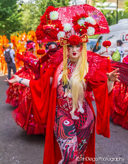 Notting Hill   TrinDiego (TrinDiego) Tags: carnival nottinghill costume street party festival parade london 2016 beauty beautiful catchy colour chinese oriental red fan streetphotography catchcolours uk performer bright pink purple nottinghillcarnival