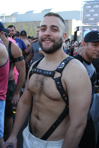 SEXY HAIRY LEATHER MUSCLE HUNK  ! FOLSOM STREET FAIR 2016 ! ( safe photo )