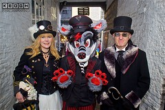 IMG_6523 (Neil Keogh Photography) Tags: 2016 bag black boots claws coat corset cravat dress feather fur furfandom glasses gloves goggles gold goth gothic highheeledboots jacket man military militaryhat militaryjacket november november2016 pants paws polkadots purple red ribbons shirt shoes stripedpants stripes teddy tophat umbrella whitbygothweekend white wolf woman