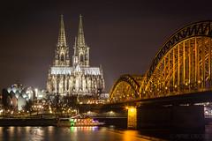 Kln bei Nacht (mschroeder_36x24) Tags: kln nacht langzeitbelichtung night dom hohenzollernbrcke cologne