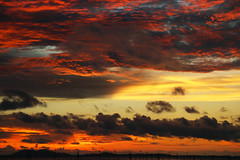 Canvas in the sky (Robyn Hooz) Tags: cielo sky colori nuvole tramonto giallo yellow rosso indonesia belitung ricordi memories xmas