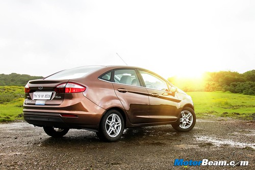 2014-Ford-Fiesta-Long-Term-05