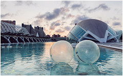 Bubbles (Ruben_Solaz) Tags: valencia architectural bubbles ciudadartesyciencias modern spain valenciancommunity