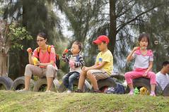 DSC04317.jpg (小賴賴的相簿) Tags: family nature kids zeiss sony taiwan taipei 自然 childern 草原 親子 木柵 爬山 孩子 1680 兒童 a55 運動 文山區 滑草 anlong77 小賴賴