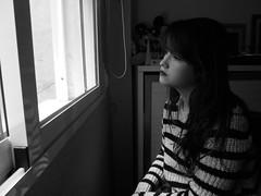 No me gusta pensar, que te tengo miedo (Lola Massotti) Tags: red portrait brown white black color byn blanco girl beautiful smile hair relax nose rojo hands chica sensitive retrato think negro lips preciosa mano cry boca guapa risa nariz selfie tenue