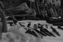 lavorazione e mano (darioo_90) Tags: old handicraft blackwhite nikon banco free musica arco ostia bianconero artista freccia medioevo vecchio ferro pelliccia suono anziano tamburello punte artigianato strumento d80 utensili rievocazione nikond80 lavorazione llibero