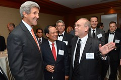 Secretary Kerry and Assistant Secretary Russel Speak With ASEAN Secretary-General Le Luong Minh and Guests at the US-ASEAN Business Council 30th Anniversary Event (U.S. Department of State) Tags: johnkerry asean leluongminh