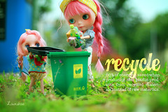 even the plastic dolls are recycling :p