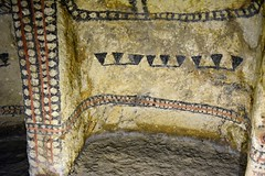 """L'intérieur de la chambre funéraire • <a style=""""font-size:0.8em;"""" href=""""http://www.flickr.com/photos/113766675@N07/15331139619/"""" target=""""_blank"""">View on Flickr</a>"""