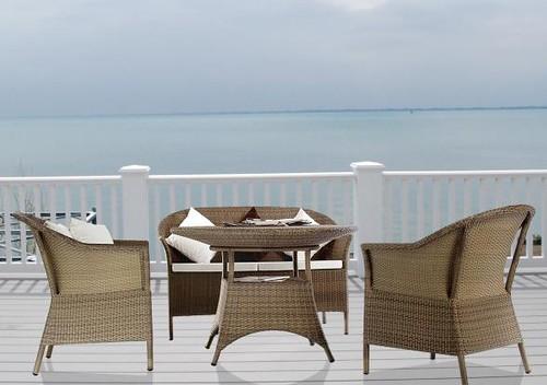 Insider tips for buying garden wicker furniture