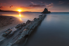 Sopela Sunset (BIZKAIA) (Jonatan Alonso) Tags: longexposure sunset seascape beach rock bizkaia sopelana sopela