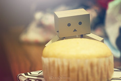 IMG_8587 (vovka43rr) Tags: anime japanese robot amazon box manga hobby cardboard domo kawaii akihabara kaiyodo photooftheday picoftheday kotobukiya yotsuba danbo toyphotography revoltech danboard cardbo toyography vovka43r toystagram danbothetraveler