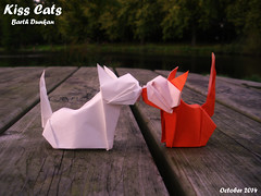 Kiss Cats - Barth Dunkan (Magic Fingaz) Tags: cat kitten kat chat katze chaton origamicat origamichat