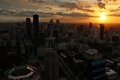 Bangkok Sunset (DaveFlker) Tags: sunset skyline thailand bangkok banyantreehotel moonbar