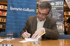 """Integrantes do Espaço Democrático lançam livro sobre manifestações de 2013 • <a style=""""font-size:0.8em;"""" href=""""http://www.flickr.com/photos/60774784@N04/15416075559/"""" target=""""_blank"""">View on Flickr</a>"""