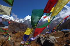 drapeau + gangaharwa chuli (C//K) Tags: nepal himalaya sanctuary anapurnna