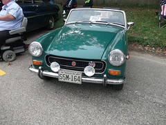 1974 MG Midget (cjp02) Tags: auto show house classic car court square climb 1974 hill indiana mg newport midget
